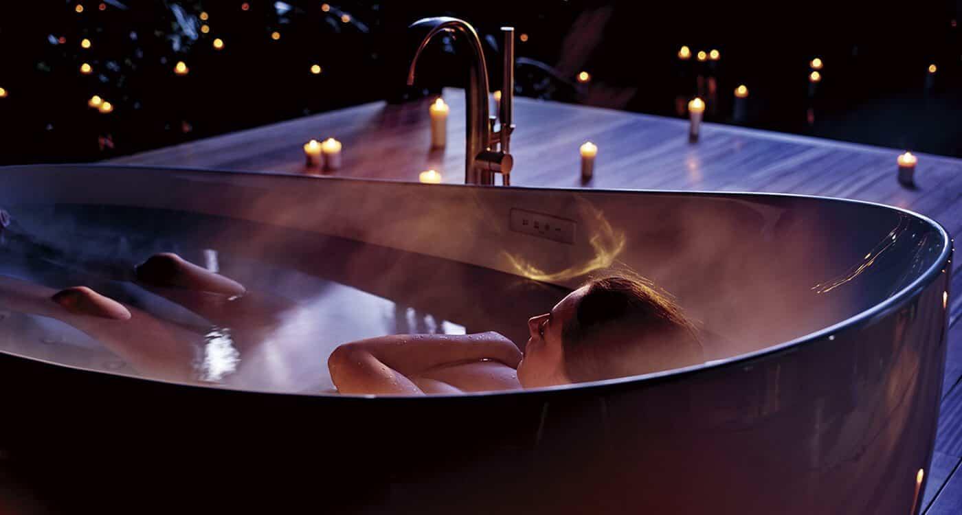 TOTO bathtub